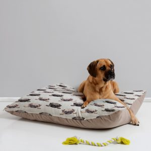 wonder-forest-pouty-pugs-dog-bed-perspective-v4_1024x1024-1.jpeg