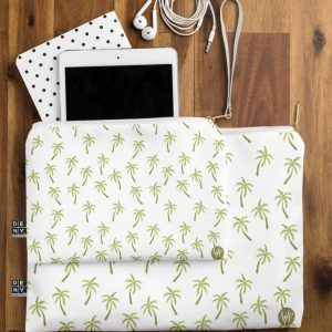 wonder-forest-pretty-palm-trees-flat-pouch-lifestyle_1024x1024-1.jpeg