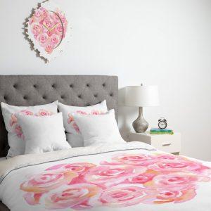 wonder-forest-rose-heart-duvet-lifestyle-perspective_1024x1024-1.jpeg